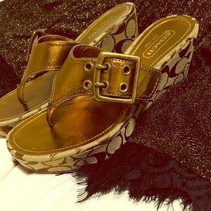 Golden Coach Logo Sandals! Women's Size 7.5 😍